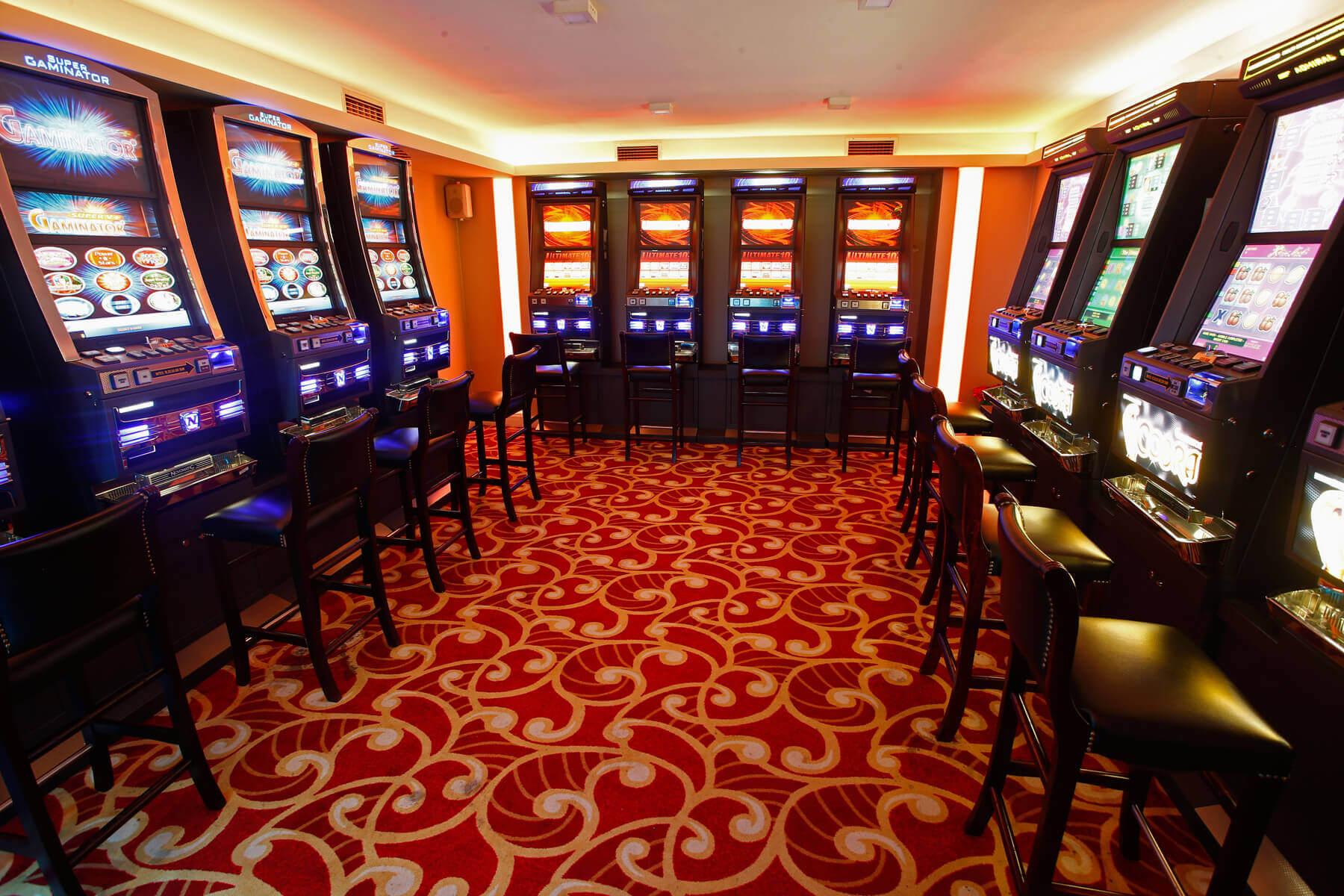 Rox   Benzinske pumpe   Hotel   Casino   Lounge bar